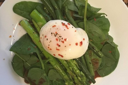 Poached Egg over spinach & asparagus